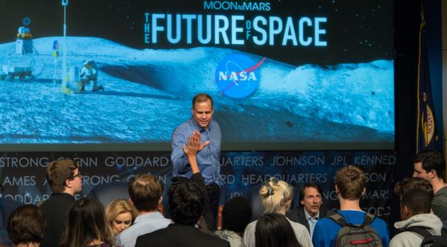 College Students Learn How to Find Their Place in Space
