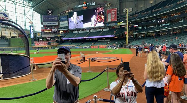 That Time the Astros Coincidentally Honored Apollo 11