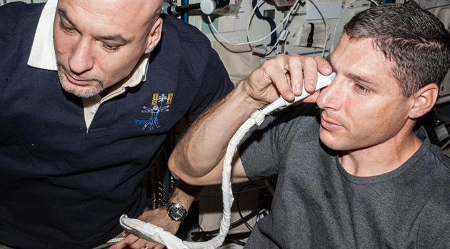 NASA studies link genetics and nutrition with astronaut vision changes
