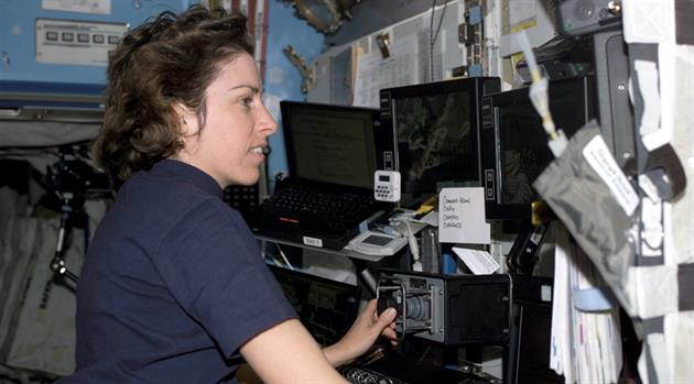 NASA Johnson Space Center Director Ellen Ochoa to be inducted into U.S. Astronaut Hall of Fame