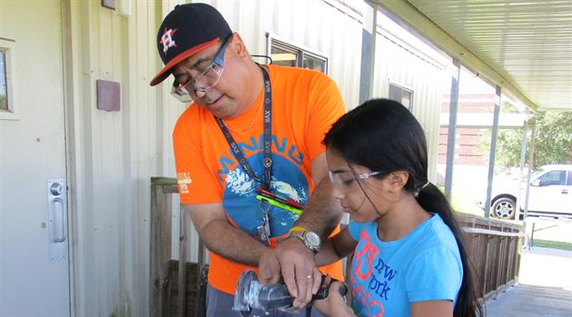 Les Quiocho brings out the 'BEST' in kids aspiring to STEM careers