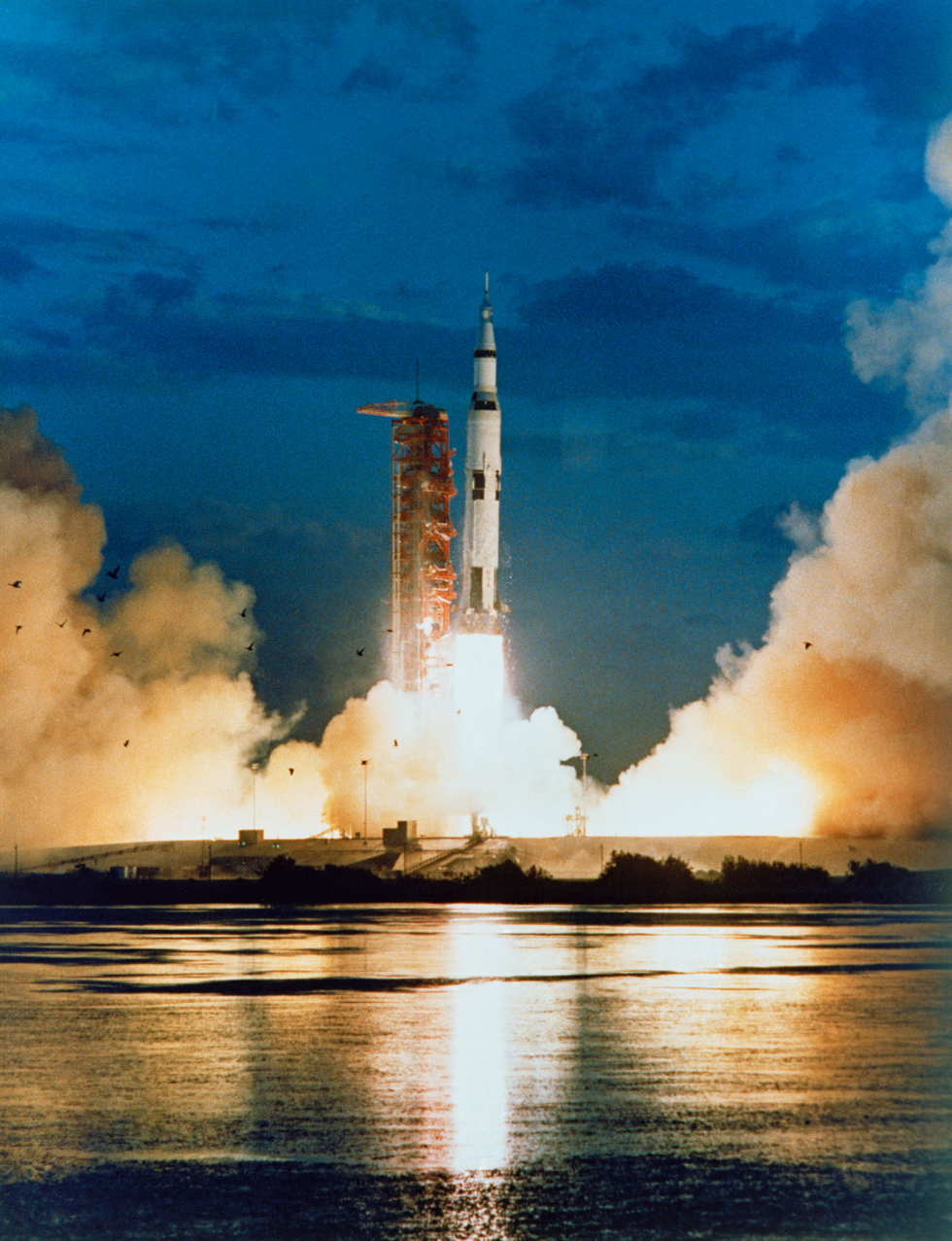 apollo the first space flights to the moon - photo #2