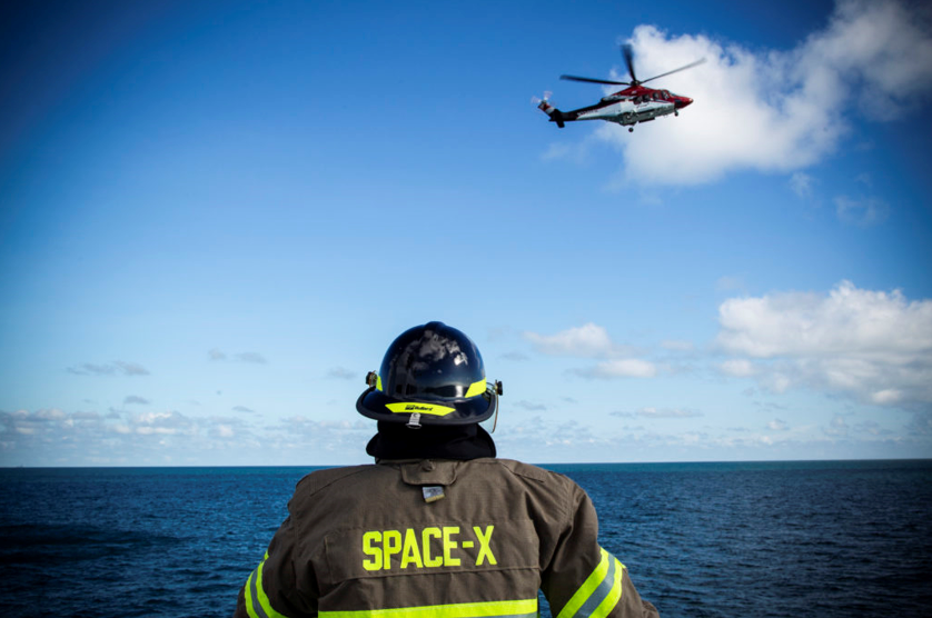 Recently, SpaceX completed helicopter landing and patient loading rehearsals on GO Searcher, practicing how the helicopter will pick up astronauts and fly them to a nearby hospital. Image Credit: SpaceX