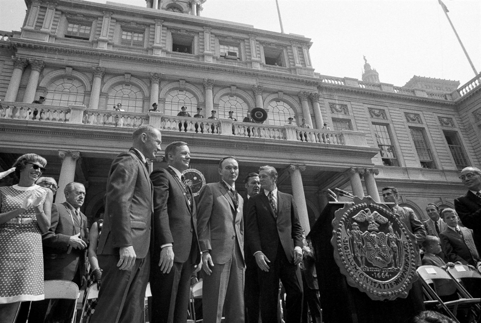 Apollo 11 astronauts (left to right) Buzz Aldrin, Neil Armstrong and Michael Collins with New York Mayor John Lindsey at City Hall. Image Credit: Getty Images